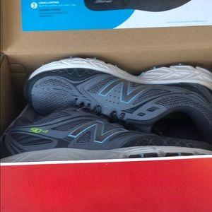 New balance size 81/2 woman's running trail shoe